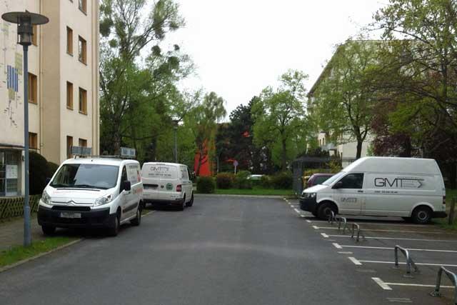 Falsch parkende Fahrzeuge